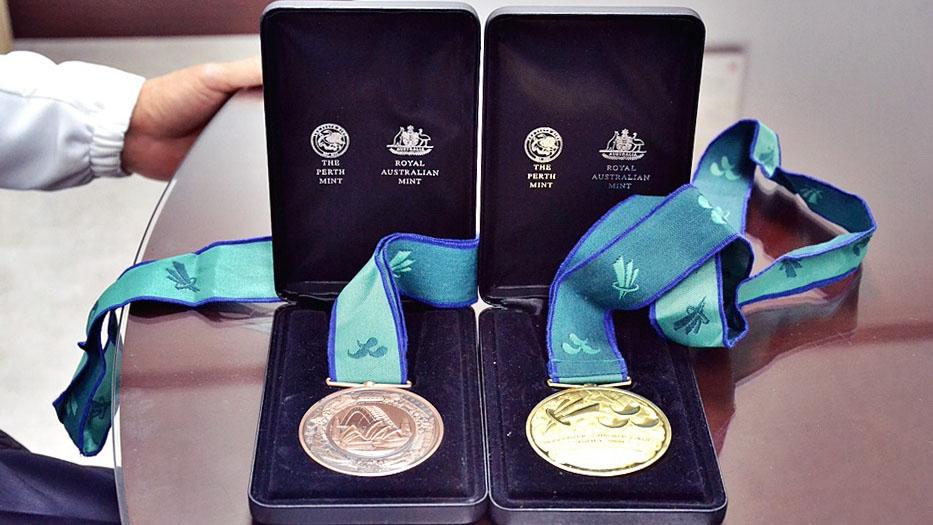 정진원 원장이 지난 2000년 시드니 패럴림픽에서 딴 금메달과 동메달의 모습.